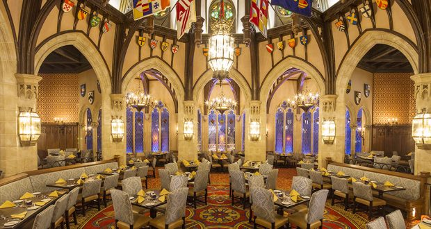 8 Things You Ll Love About Cinderella S Royal Table At Walt Disney World Disneytips Com