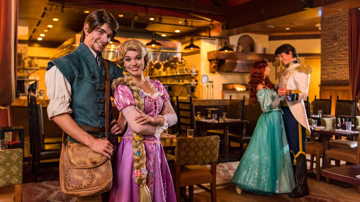 15 Characters You Can Find At Walt Disney World Restaurants ...