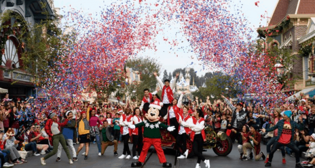 abc to air the disney parks magical christmas celebration on christmas day with performances from walt disney world - Disney Christmas Day Parade